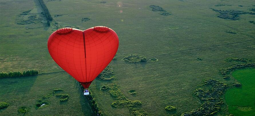 3 amazing Valentine's Day marketing ideas for tour and activity operators